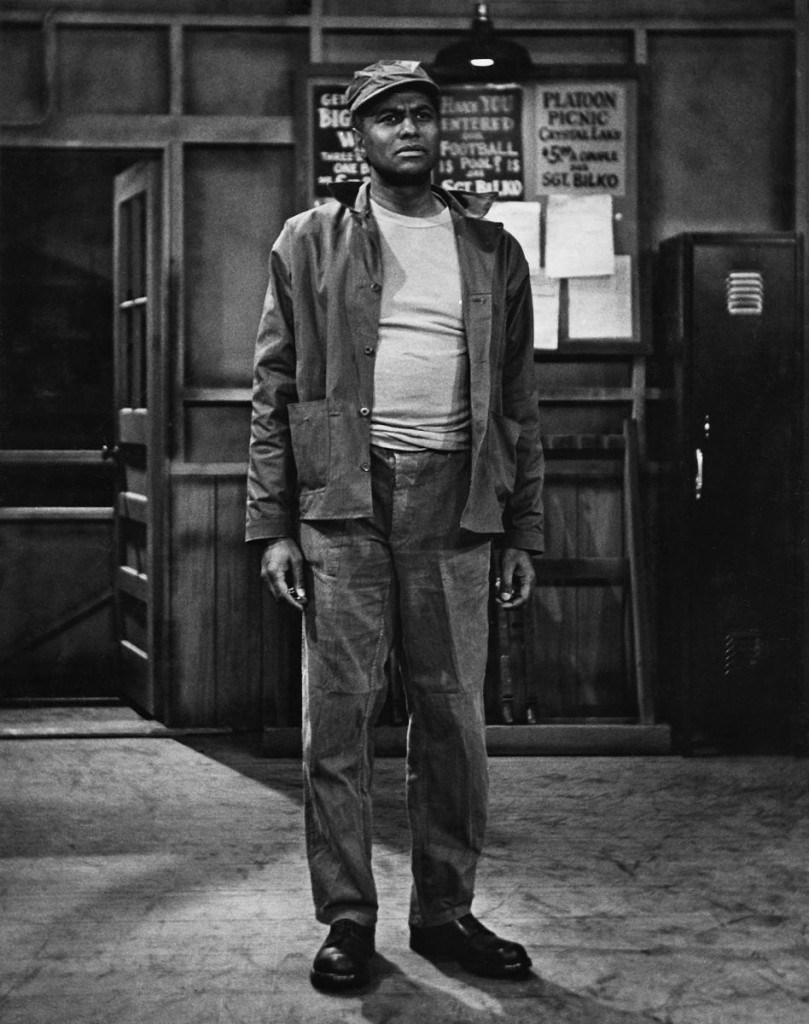 """I had a whole goddamned career of 'Yassuh, can I git ya another drink,' "" Sidney said. CREDITPHOTOGRAPH FROM SCHOMBURG CENTER / NEW YORK PUBLIC LIBRARY"