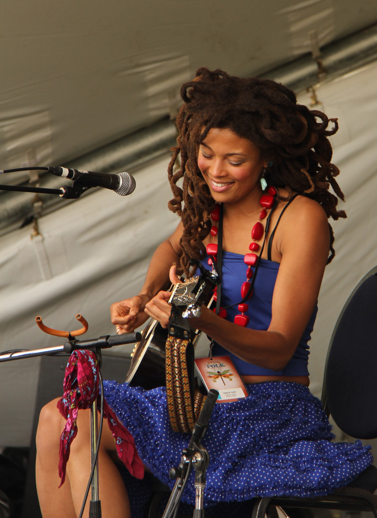 Video Valerie June Neo Griot